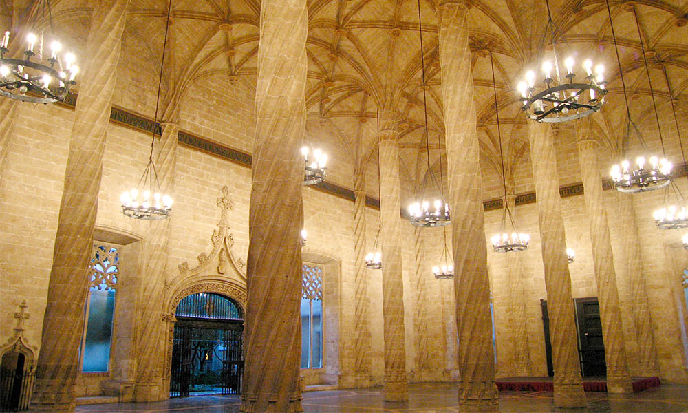 Esencial Valencian Silk exchange and its World Heritages